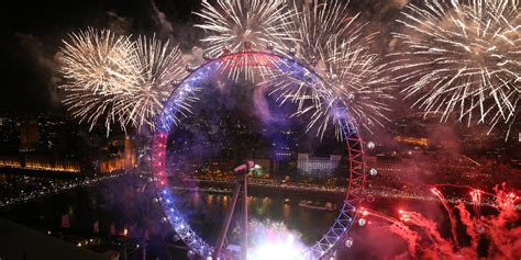 new year celebrations uk 2016 new year s celebrations hit as the capital welcomes
