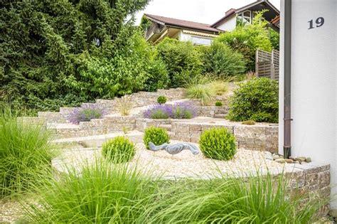 vorgarten mit kies gestalten gartenplanung pflegeleichten vorgarten mit kies gestalten ǀ galanet