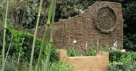 schöner sichtschutz zaun pflanzen idee