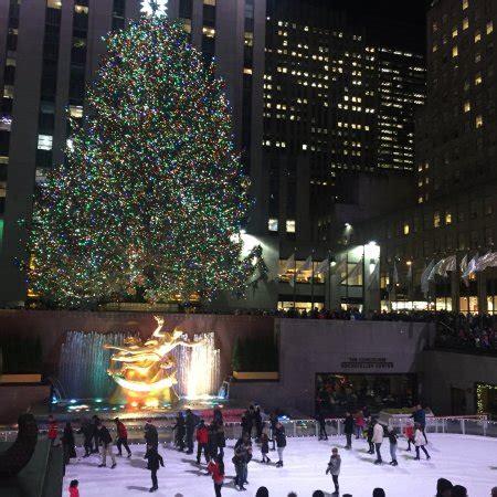 rockefeller center christmas tree new york city all