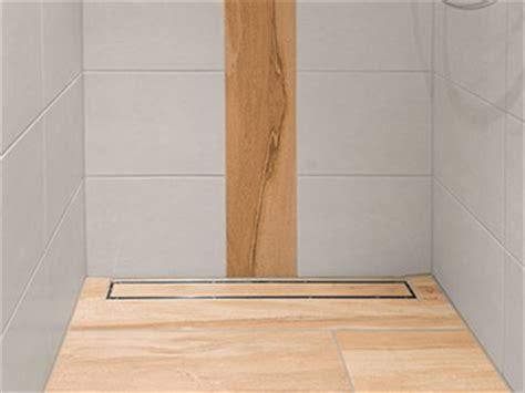 duschwanne barrierefrei barrierefreie duschen und b 228 der geflieste duschbereiche