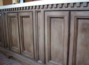These cabinets definitely look old i thing this look gives too many