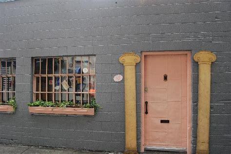 The Door Seattle the pink door entrance picture of the pink door seattle tripadvisor
