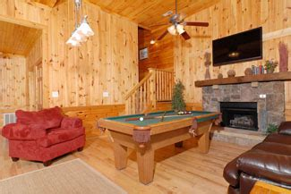 7 bedroom cabins in pigeon forge pigeon forge seven bedroom cabin lodge big cabin family retreat lodging