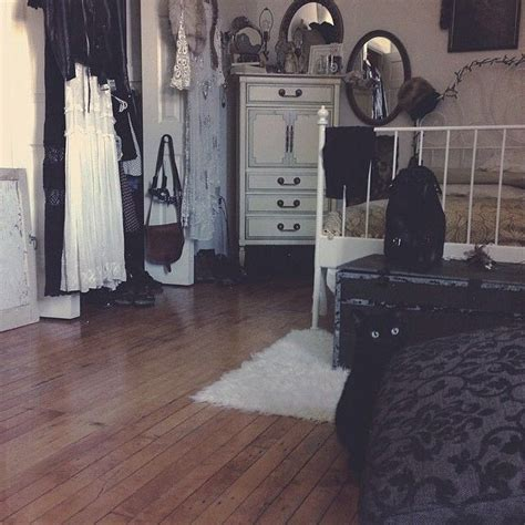 wiccan bedroom 1000 images about home decor bedroom and closets on