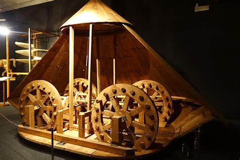 le macchine volanti di leonardo da vinci al museo leonardo da vinci a firenze
