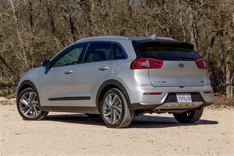 2017 kia niro hybrid first drive review hold the