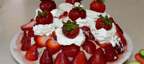 Reader Recipe Swedish Strawberry Cake by Swedish Midsummer Strawberry Cake Recipe