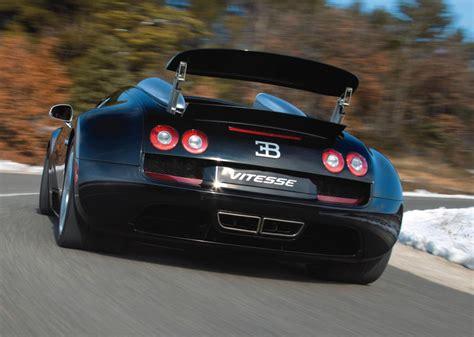 bugatti veyron mouse bugatti veyron grand sport vitesse plays cat and mouse