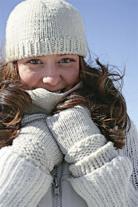 Caring For The Skin In Winter by How To Keep Skin Healthy In Winter American Profile
