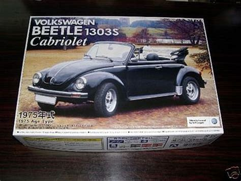 Volkswagen Beetle 1303s Cabriolet75 Aoshima 1975 vw beetle model 1303s convertible plastic model car kit 1 24 scale 47798 by aoshima 47798