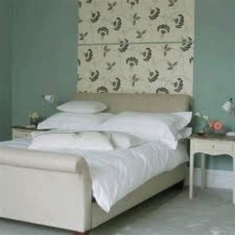 wallpaper for wall behind bed wallpaper strip behind bed bedroom pinterest