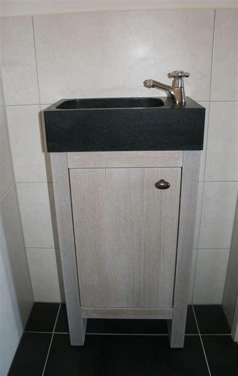 wc fontein zwart landelijk wc fonteintje met zwart granieten wasbakje