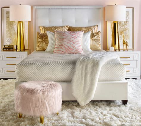 light pink and gold bedroom quarto charmoso dando grande aten 231 227 o ao puff rose decora 231 227 o gold rose que