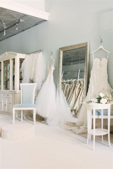 wedding boutiques in atlanta 173 best images about retail design on shops shelves and flower shops