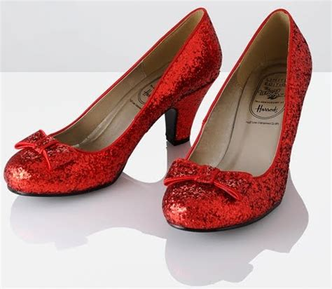 ruby slipper shoes if only i could get my on these amazing shoes i