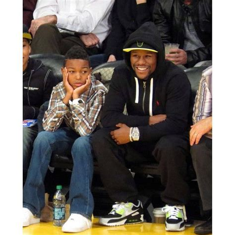 mayweather shoe collection here is floyd mayweather in a pair of nike air max 90 s