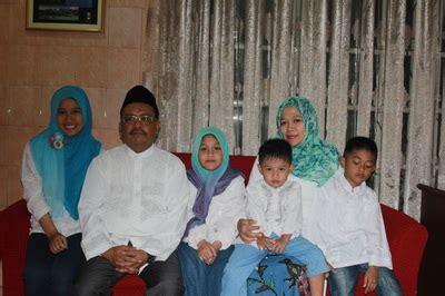 Buku Birokrasi Di Negara Birokratis Masud Said Umm Ag bersama keluarga prof dr m ud said mm professor of government studies