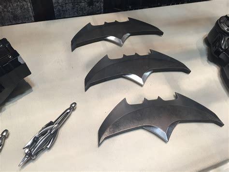 Batarang Senjata Batman Vs Superman Of Justice comic con batman v superman gadgets props business insider