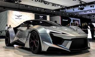 Lightning Hypersport Car W Motors Fenyr Supersport Debuts In Dubai With 900
