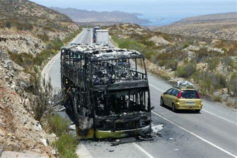 Tur Bus Se Incendia En Ruta 5 Al Norte De La Serena | m 225 quina de tur bus se incendia en la ruta al norte de la