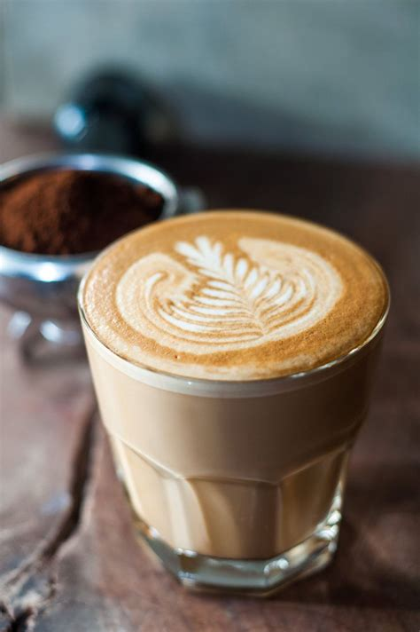 cafe latte 5 things to know about latte art yes there s latte art
