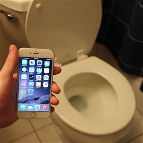 iphone      surprisingly water resistant