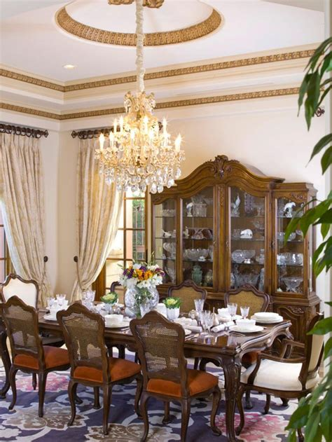 elegant chandeliers dining room best 25 victorian dining rooms ideas on pinterest