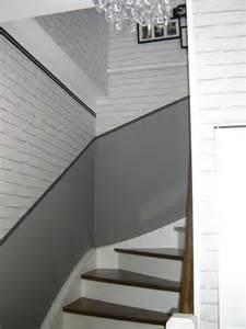 idee deco couloir avec escalier grupocool info design