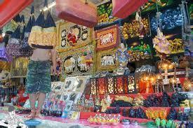 Souvenir Impor Dari Thailand Berupa Kaos hari ke 2 bangkok s museum lilin madame tussaud mbk