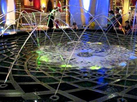 Vase Fountains Jumping Fountain At Burj Al Arab Hotel Dubai Youtube