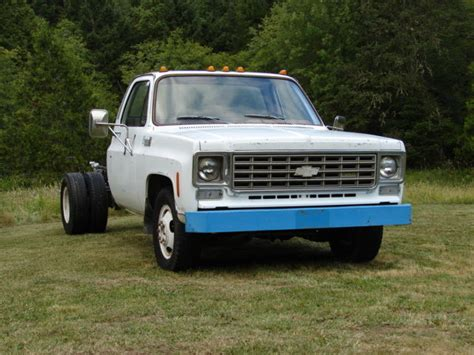 chevrolet 1 ton truck 1975 chevy 1 ton chevrolet truck k30 dually chassis