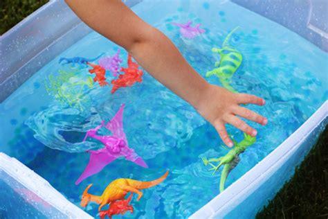 sensory water water play