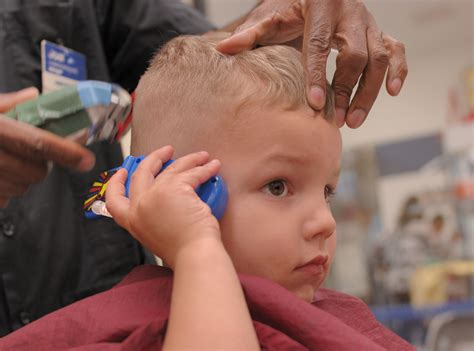 great clips toddler hair cut cost how do you convince your toddler that it s time for a
