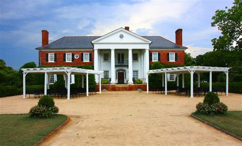 Plantation Style House Step Into History At Boone Hall Plantation Travel Blue Book