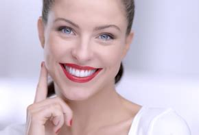 colgate commercial actress who is that actor actress in that tv commercial colgate