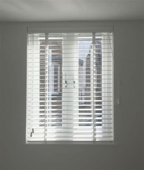 white bedroom blinds best 25 white wood blinds ideas on pinterest white