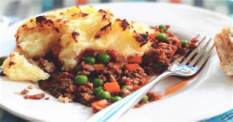 cottage pie recipie cottage pie recipe delicious vegetarian free quorn