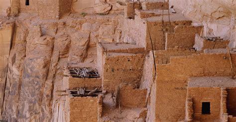 native american dwellings betatakin anasazi cliff dwelling at navajo national