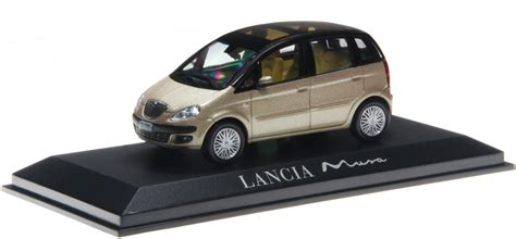 lancia minivan norev lancia musa minivan 2004 gold schwarz 1 43 g 252 nstig