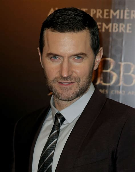 richard armitage the hobbit s richard armitage shows the lighter side of