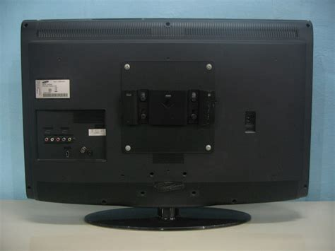 Monitor Samsung 32 Inch samsung 32 inch lcd used furniture for sale