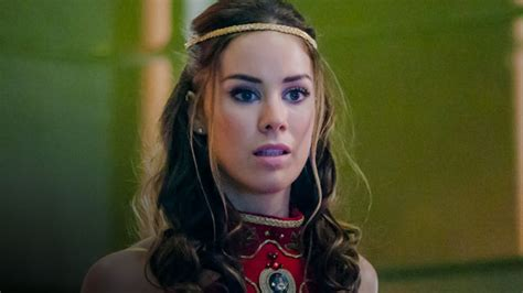 Tv Show Benched Hottest Woman 1 1 15 Roxanne Mckee Dominion King Of