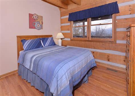 11 Bedroom Cabins In Gatlinburg by Gatlinburg Cabin Rentals Paradise