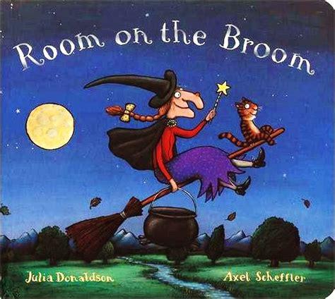 Room On The Broom by Room On The Broom Amanda Isla Cunningham