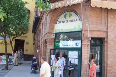 oficina de turismo de sevilla s 233 ville office de tourisme 224 s 233 ville a 233 roport et gares