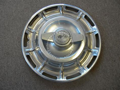1962 corvette hubcaps 1959 60 61 1962 corvette used original hubcaps w