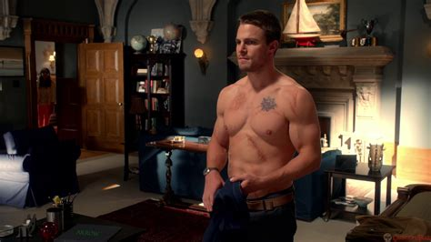top 3 reasons not to resurrect moira queen on arrow cultjer oliver queen scars bing images