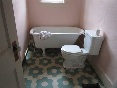 Water Lillies vinyl floor cloth as permanent bathroom