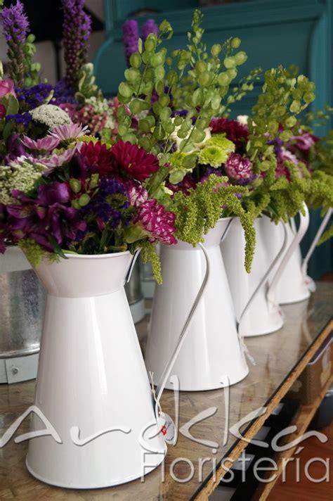 Centro de mesa /Jarra de agua   Mix flores temporada